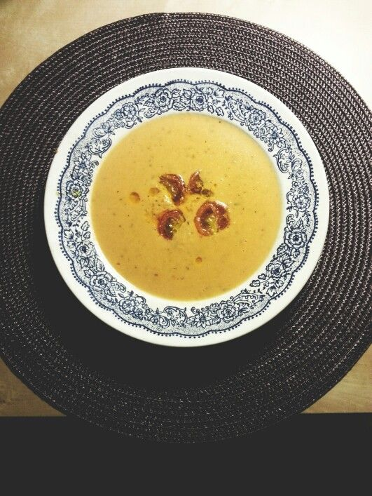 Zupa pomidorowa. Zwykła-niezwykła! Czasami wystarczy trochę pobawić się w kuchni aby stworzyć arcydzieło.