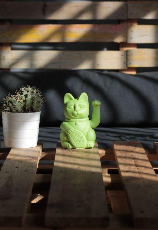 Gatete! The pistachio green lucky cat from www.diminutocielo.com #diminutocielo