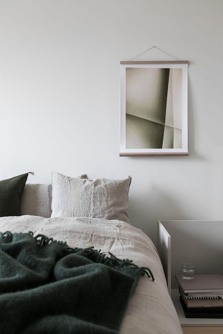 Ana Degenaar: How To: Color Accents In A Minimal Home