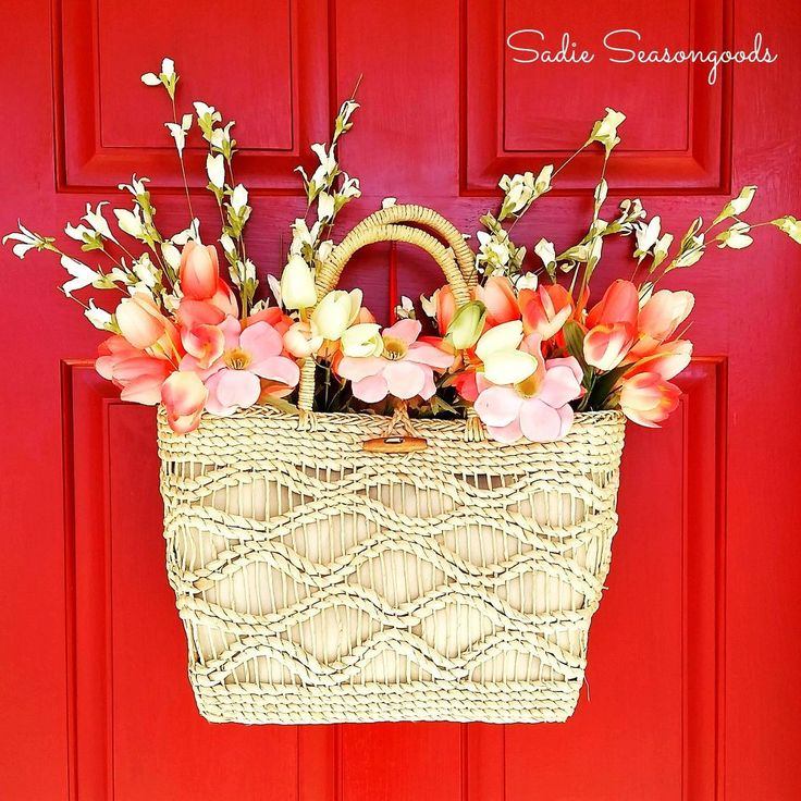 """Straw Tote Spring """"Wreath""""- Door Decor on the Cheap!"""