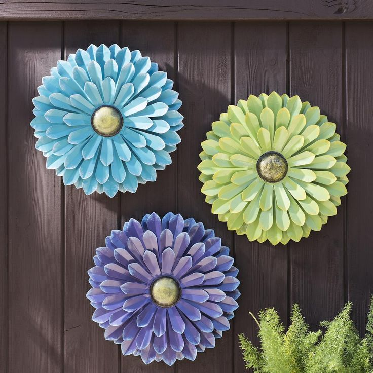 Blue metal flower wall plaque purple outdoor and orange for Outdoor wall flowers
