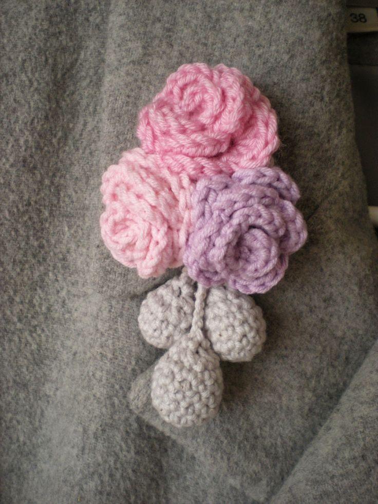 Old Fashioned Crochet Flower Brooch Pattern Embellishment - Blanket ...