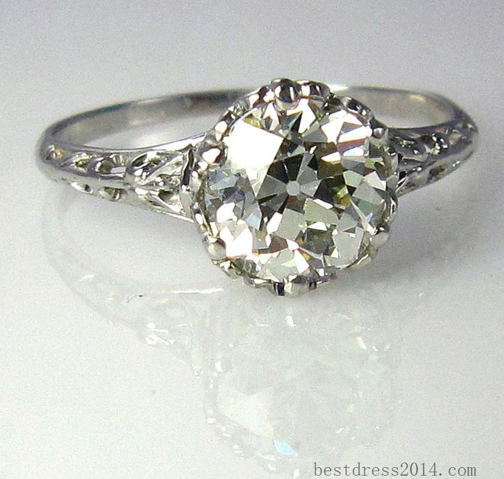 Not into circular diamonds, except this one.