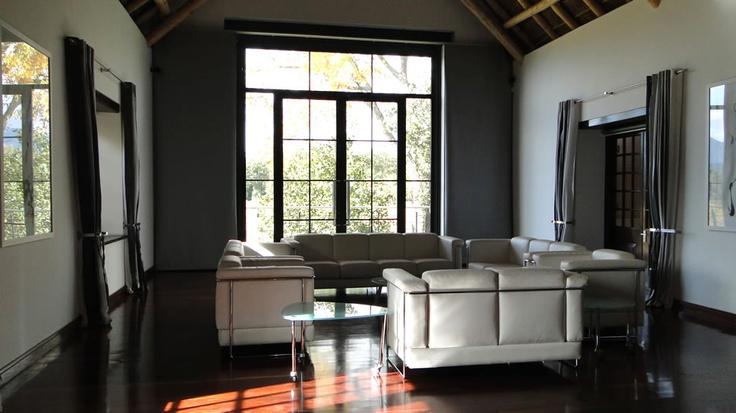 Lounge at Allée Bleue