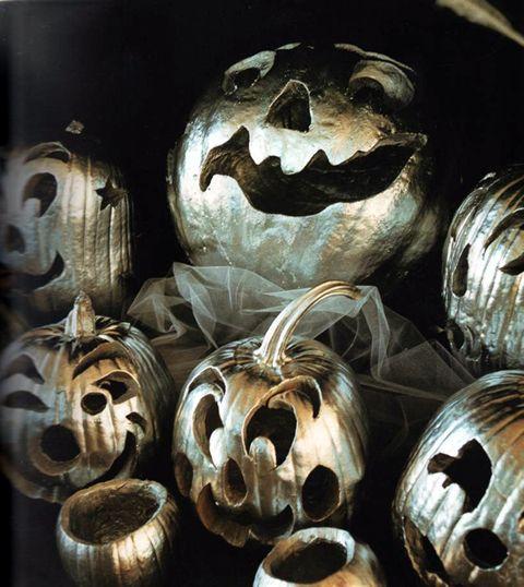 silver paint!: Silver Pumpkin, Silver Jack, Halloween Pumpkin, Jack O'Connell, Jack O' Lanterns, White Pumpkin, Paintings Pumpkin, Pumpkin Paintings, Halloween Ideas