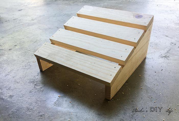 Diy Footrest For Under Desk Diy Desk Plans Foot Rest Cool Woodworking Projects
