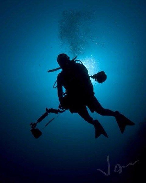 Nearly 71 percent of the Earth is made up of water and the oceans hold about 96.5 percent of all Earth's water. It's amazing to think how there's still so much of marine life we have yet to explore. Dive into the world of @jananthonyacosta a PADI instructor and underwater photographer as part of the fourth series of #WTNPassions.  1/3 How did you discover your passion? Describe the defining moment or the series of experiences that lead you to where you are now.  I used to work in the hotel…