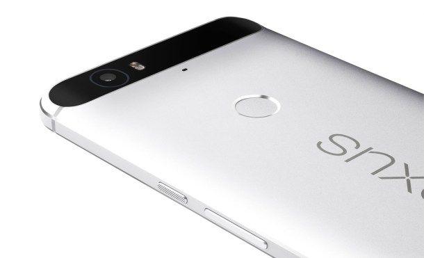 Google presenta el nuevo Nexus 6P   De la mano de Huawei Google ha presentado hoy un segundo Nexus con especificaciones de gama alta que no podemos esperar a probar para ver si cumple con lo que Google dice.  Veamos sus especificaciones técnicas.  Aunque no estarán a la venta en España de momento. Pero sus precios en EE.UU y así como en varios países de la Zona Euro son los siguientes:  Capacidad  EE.UU  Zona Euro  32GB  $499  649  64GB  $549  699  128GB  $649  799    Los teléfonos solo se…