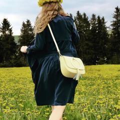 Dopřejte si více slunce s nádhernou žlutou koženou kabelkou na Emotys.cz #koženákabelka #dnesnosim #žlutákoženakabelka#crossbody #emotys.cz