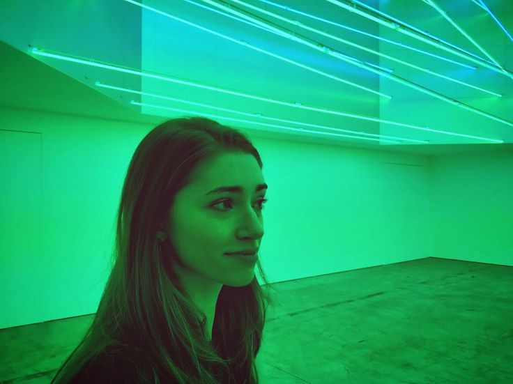 Currently a lot into that green led light  When you have #deepthoughts . #ledlights #fontana #exibition #artist #artsy #greenlight #face #great #photographer #thoughts #assorted #greenenergy #recharge #havingfun #withfriends #evenings #saturdaynight #abouttheweekend #mondayblues #monday #weekend #vibes #mood #photooftheday #follow #fun #artsy #futurism #milano #citylife