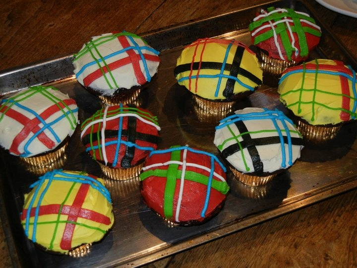 Robbie Burns Day cupcakes with various buttercream tartans