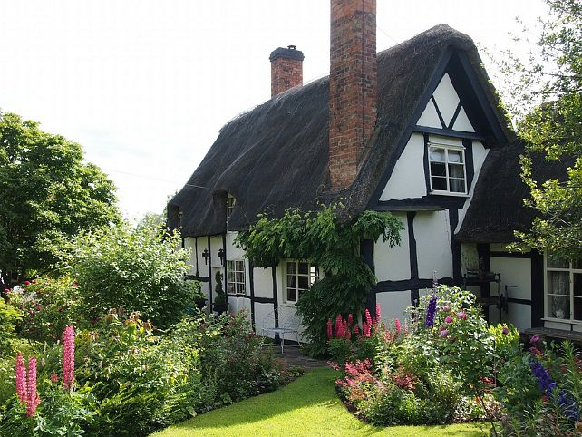 English Cottage Interiors | This cottage can inspire a novel.