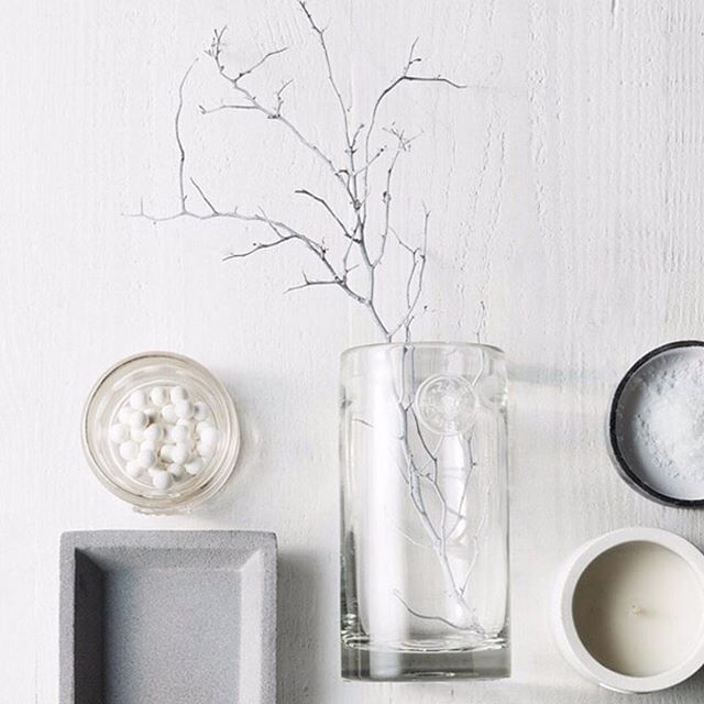 Can't get enough of these Scandi summer hues with Zakkia's concrete and candles. Add a fresh spin to your home with these new arrivals  regram @zakkiahomewares #acupofchicshop #concrete #homewares #candle #scandinavian #zakkia
