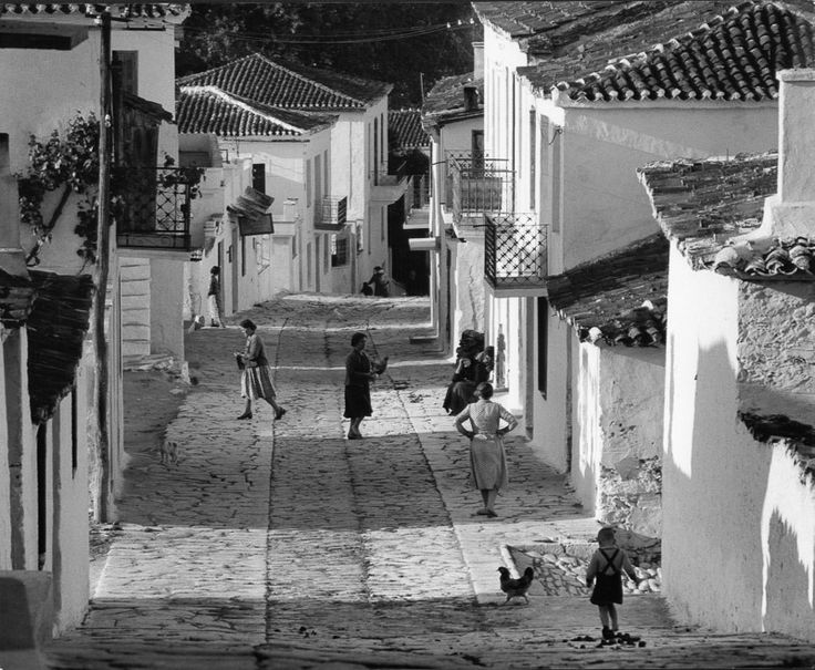 Wolfgang Suschitzky - Street on Skiathos, Greece, 1960