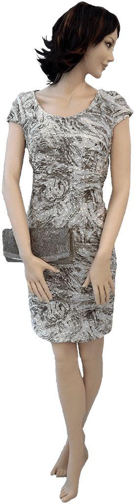 Nuevo vestido otoño invierno, en linea con las últimas tendencias. Con forro y lentejuelas.