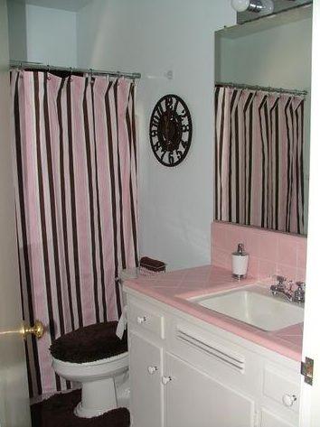 Shower curtain in vintage tile bathroom | Bee's Home Ideas ...