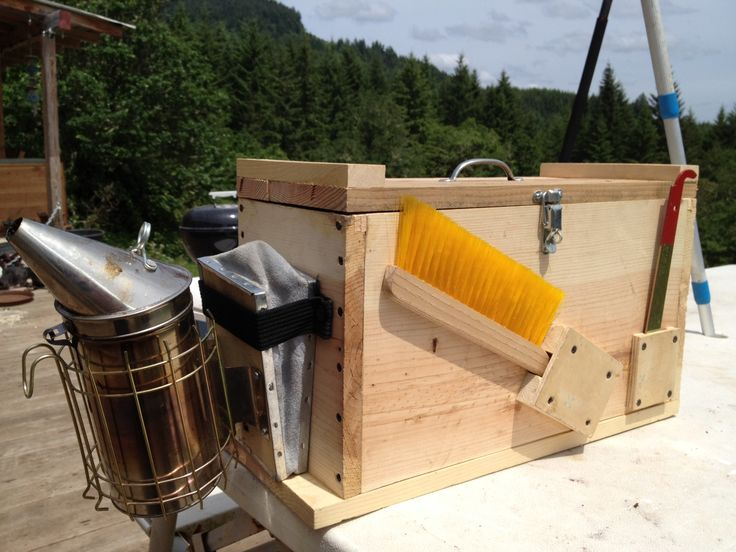 beekeeping tool box. Put it on the project list.