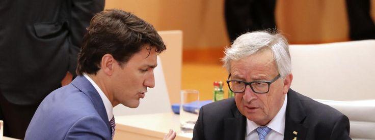 Le Premier ministre canadien Justin Trudeau et le président de la Commision européenne Jean-Claude Juncker lors du sommet du G20 à Hambourg (Allemagne), le 8 juillet 2017.