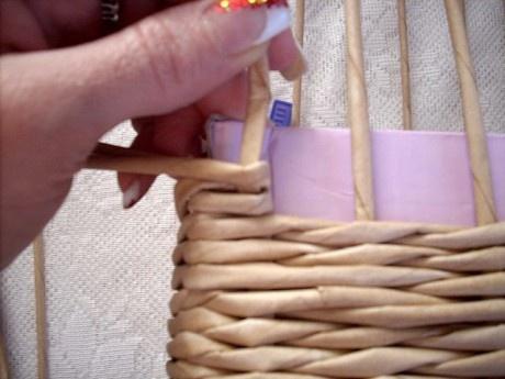 Moje pletení z papíru - Fotoalbum - NÁVOD - NA NETRADIČNÍ PLETENÍ - NÁVOD - NA ZKOSENÉ STRANY KOŠE