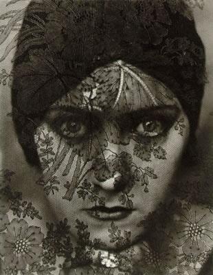 Edwar Steighgen: Fotografo que trabaja con los sentimientos humanos incorporando luz y textura en diferentes planos de sus fotografias.