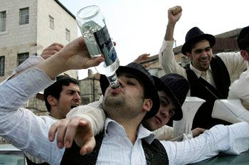 Should You Be Celebrating?  Shabbat Candle-lighting App from Jewitup.com