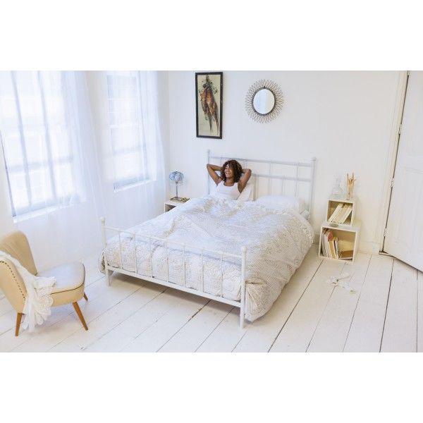 Het Venice #dekbedovertrek van #Snurk is al meer dan honderd jaar oud. Het ontwerp dan tenminste. De afgebeelde sprei is namelijk met de hand gemaakt in Venetië als #huwelijksgeschenk aan een Italiaans #bruidspaar. Zo is ook dit dekbedovertrek weer een ideaal geschenk voor aanstaande bruidsparen. #Flindersdesign #wonen #interieur #slaapkamer #modern #design