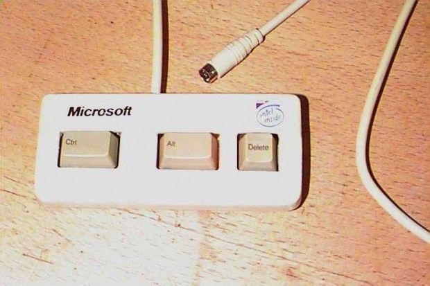 BUY A MAC!: Del Keyboard, Funny Pics, Funny Pictures, Geeky Things, Microsoft Three, Microsoft Keyboard, Window Keyboard, Humor, Funny Photo