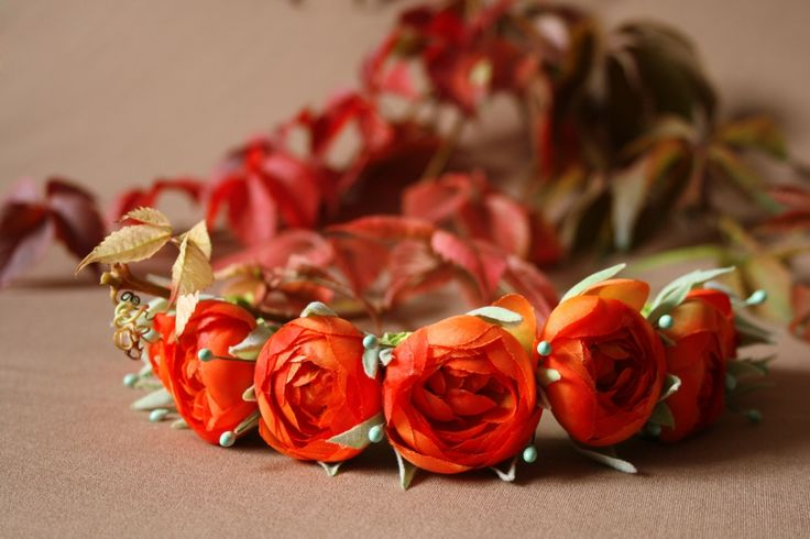 Рыже-красный ободок, <p>Вариант для смелых и ярких красавиц. Отлично подойдет под красную помаду, подчеркнув Ваш невероятный образ!</p>