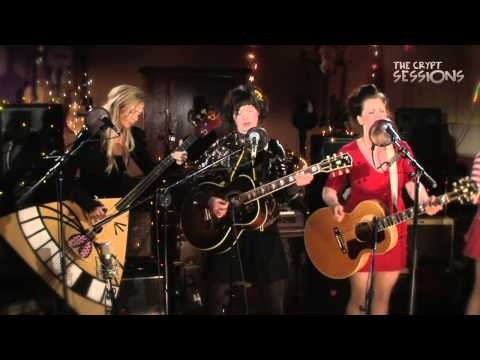 """Katzenjammer - """"Land of Confusion"""" - The Crypt Sessions: S3, Ep4  So great!! :-))"""