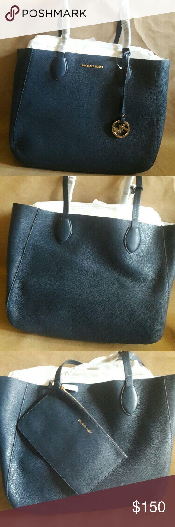 Michael Kors Handbag Large Micheal Kors Handbag with tote. Michael Kors Bags Shoulder Bags
