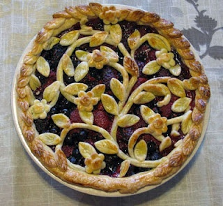 Love this simple way to spice up a traditional pie - just have to prevent bubbling!