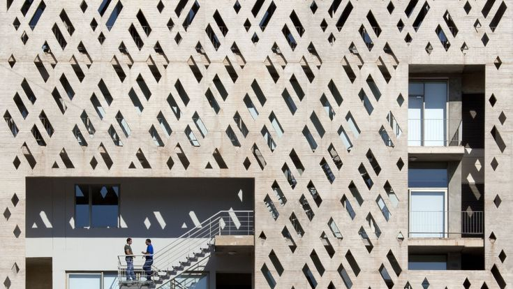 THE UNIVERSITÉ SAINT-JOSEPH CAMPUS FOR INNOVATION AND SPORT IN BEIRUT BY 109 ARCHITECTS WITH YOUSSEF TOHMÉ. PHOTO BY SERGE NAJJAR, 2013, © GALLERIE TANIT BEIRUT. https://www.yatzer.com/brilliant-beirut-rana-salam