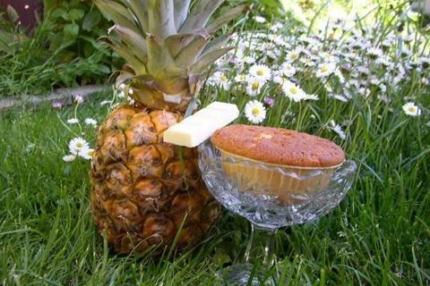 Ananasmuffins med vitchoklad
