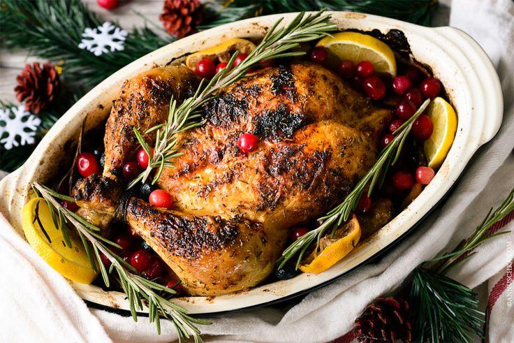 Easy Christmas dinner idea for busy fellows: roasted chicken with rosemary. Recipe on annuschka.com