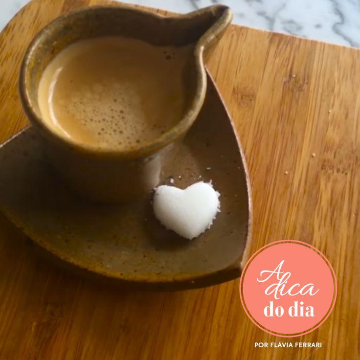 Aprenda a fazer torrões de açúcar para incrementar a mesa do chá ou café da tarde   Para mais dicas, clique na #aDicadoDia A DICA DO DIA COM FLÁVIA FERRARI