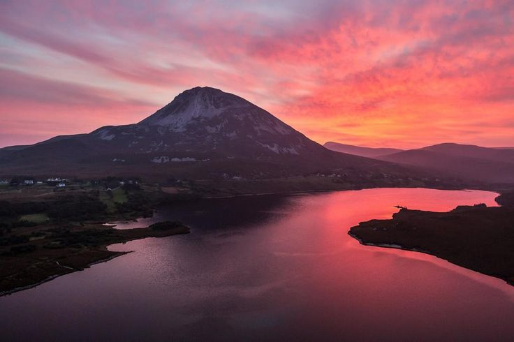 Sunset at Mount Errigal - Peter Cox Photography Gallery . Peter Cox Picture
