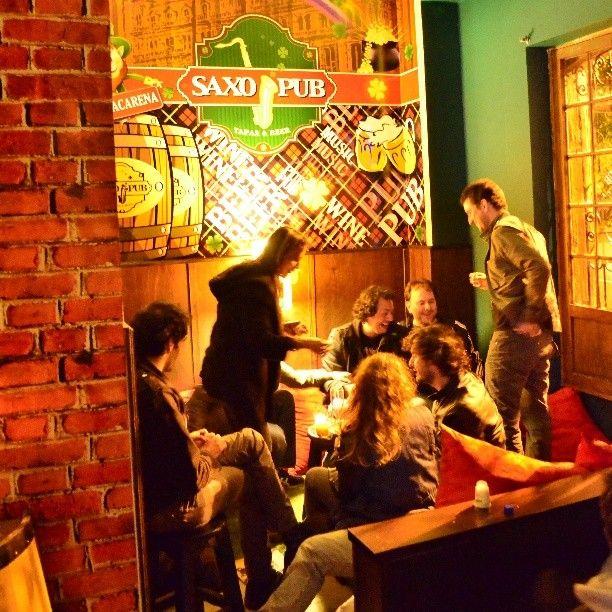 Saxo Pub Macarena en la Ciudad de Bogota !!! Quien quiere Papitas al Queso y esta Cerca Ahora ??? Cra 5 # 26c - 54
