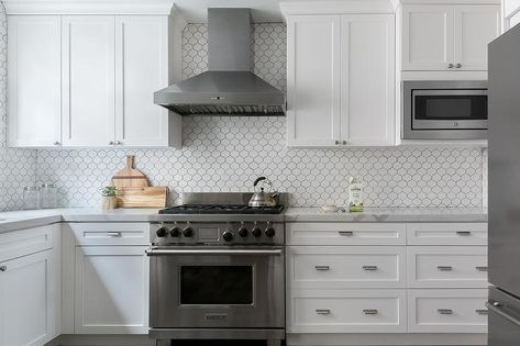 All White Kitchen With White Shaker Cabinets Displays