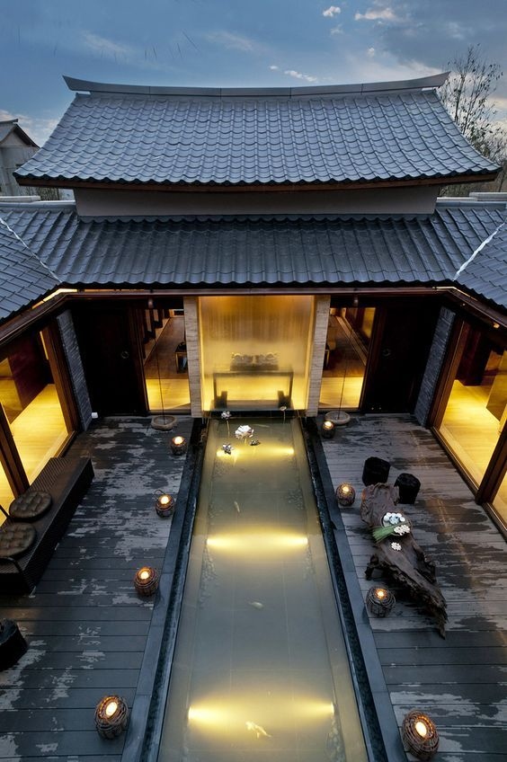[Chinese classical Chinese courtyard mansion --- Hall] is located in a ...: