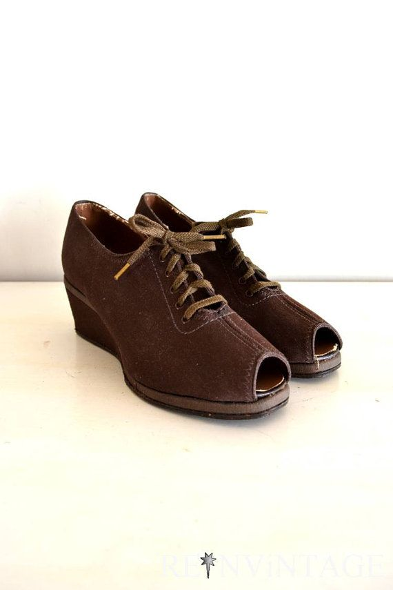 vintage shoes - army brown wedge heels / lace up deadstock