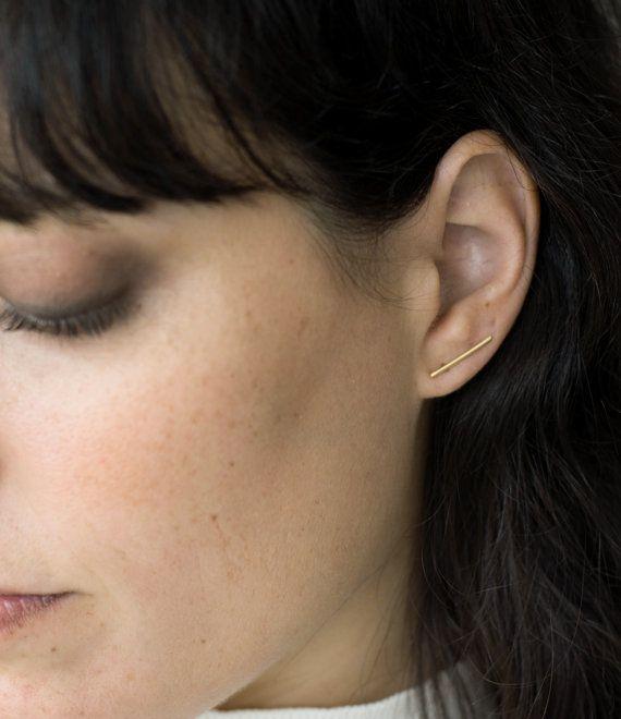 Minimalistische Linie Ohrringe goldene von StudioBALADI auf Etsy