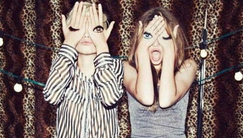 eye spy: Photo Ideas, Best Friends, Makeup Art, Photo Projects, Photo Booths, Leopards Prints, Animal Prints, Funny Girls, Funny Faces