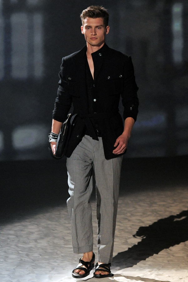 Corneliani Man S/S 2012 @Modaonline2012 Modaonlin, Guys Style, Men Fashion, Cardigans Coats Sweat, April 2012, Fashion Inspiration, Coats Preto, Trench Coats, Fashion Stuff