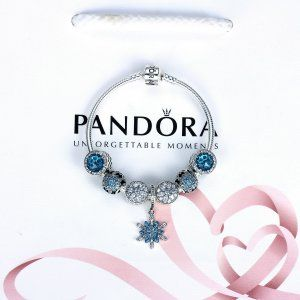 Srebne Bransoletki  [Pandora Promocje]Bransoletka Pandora35  [Pandora Promocje]Bransoletka Pandora35 w atrakcyjnych cenach – odkryj nową kolekcję złotych, srebrnych i skórzanych bransoletek – celebruj swoją kobiecość z biżuterią Pandora.  961 zł 45% zniżki  Kliknij: http://www.xn--pandorabiuteria-qkd.com/srebne-bransoletki.html