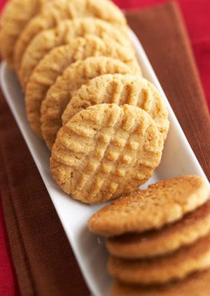 The simple combination of savory but sweet peanut butter incorporated into a smooth, buttery dough gives this cookie its signature nutty flavor./