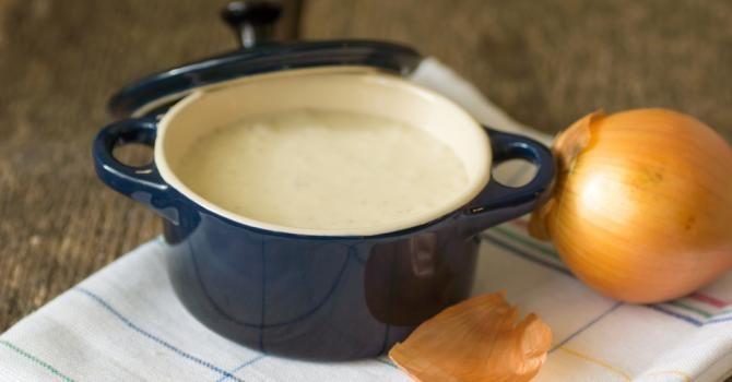 Recette de Crème Croq'Kilos aux oignons doux et à la pomme. Facile et rapide à réaliser, goûteuse et diététique. Ingrédients, préparation et recettes associées.