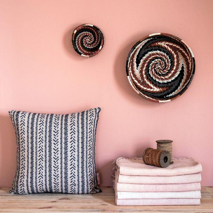 91 best coussins cushions images on pinterest. Black Bedroom Furniture Sets. Home Design Ideas