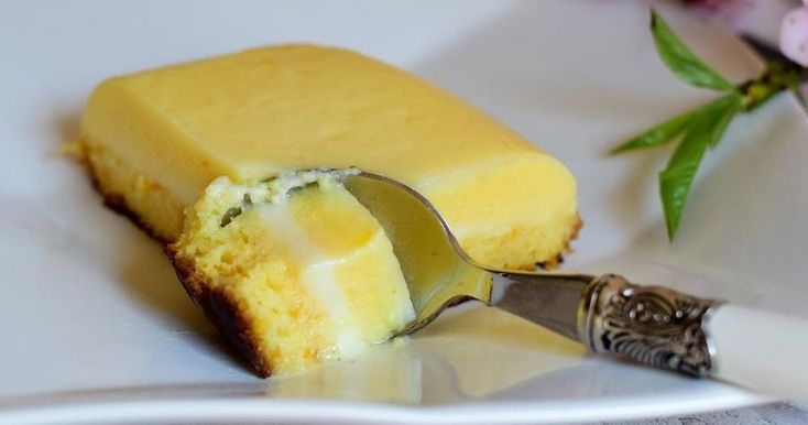 Espectacular aspecto y mejor sabor tiene este pudin de naranja facilísimo de preparar que comparten desde el blog COCINANDO EN MIS LARES.