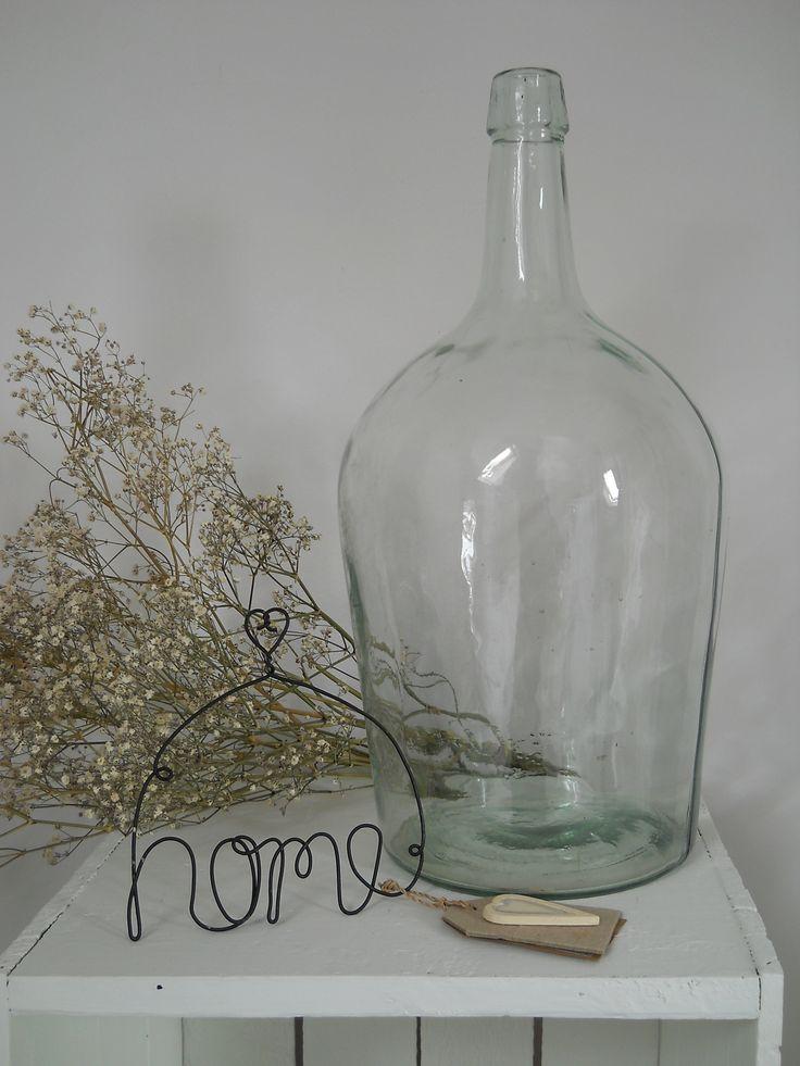 Brocante gistfles transparant met home hanger east of india brocante flessen pinterest - Tafel met chevet ...