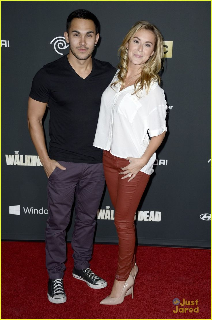 Alexa Vega & Carlos Pena: 'The Walking Dead' Premiere ... | 736 x 1113 jpeg 99kB